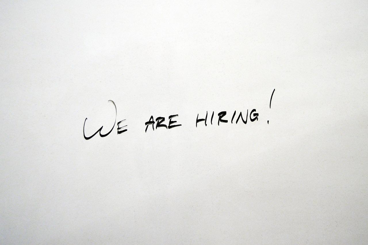 استخدام می کنیم!